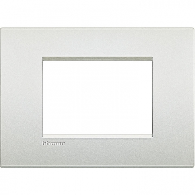 LNC4803PR air  bticino placca  3 posti  colore bianco perla